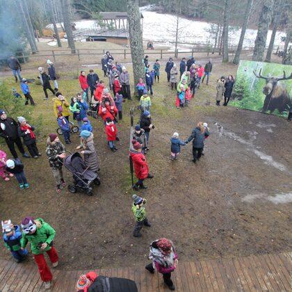 """""""Pauguru"""" pagalmā visus gaidīja karsta tēja, kafija un cepumi"""